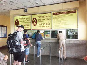 Vientiane to Bangkok - Second Class Train by Thai Railways_2