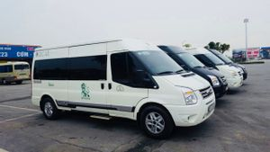 Sapa to Hanoi - Luxury Minivan by Green Lion Bus_0