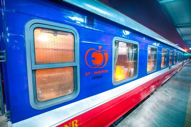 Sapa to Hanoi - Luxury Train by Et-Pumpkin_0