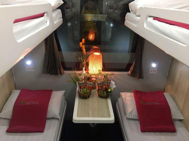 Dong Hoi to Hanoi - Luxury Train by New Livitrans_0